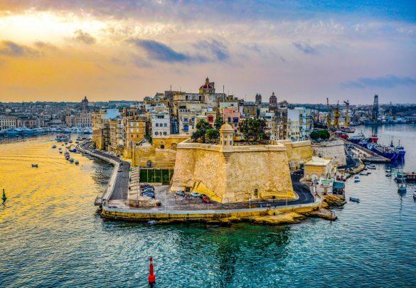 mercado do intercâmbio malta